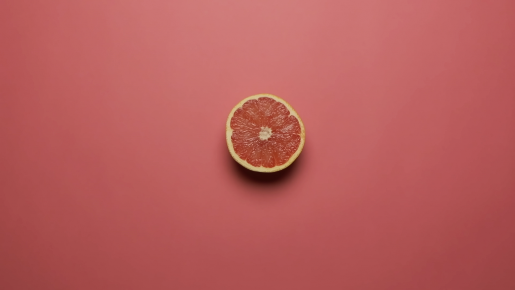 Grapefruit push in shot