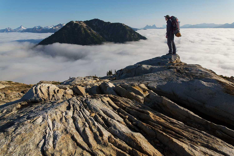 foggy mountain view sourdough lookout north cascades national park